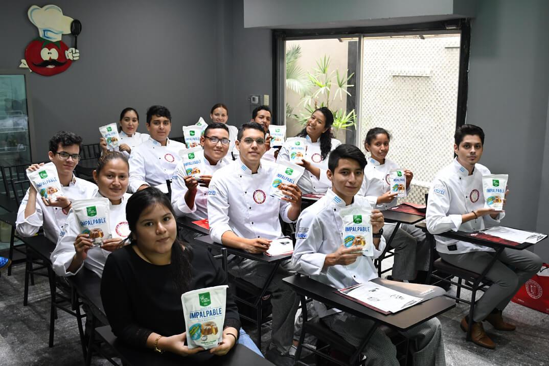 Azúcar San Carlos da la bienvenida a los nuevos alumnos de la Escuela  Culinaria